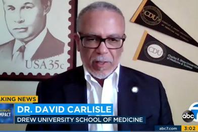 Tiến sĩ David Carlisle trả lời phỏng vấn trên ABC7 về báo cáo tuổi thọ của CDC