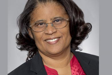 Bác sĩ Daphne Calmes